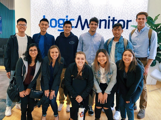 The 2019 LogicMonitor interns together